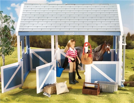Breyer Classic Stable Feeding Set  - Click to view a larger image