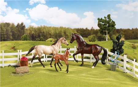 Breyer Classic Sport Horse Family  - Click to view a larger image